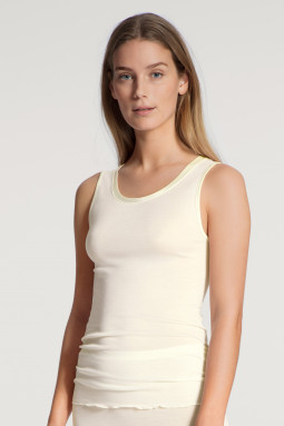 True Confidence woolsilk top Cream