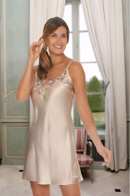 Pure Silk nightdress with lace Bailey